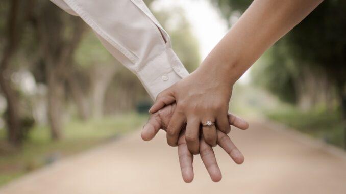 ole-lynggard-solitaire-forlovelsesring